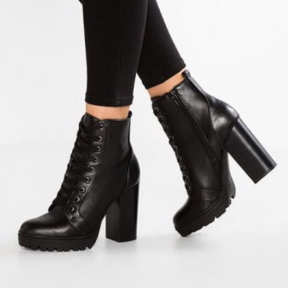b8a5249e5 Steve Madden Shoes | Black Leather Laurie Combat Bootie | Poshmark